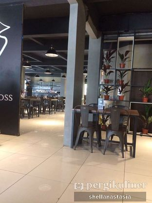 Foto 10 - Interior di Eat Boss oleh Shella Anastasia