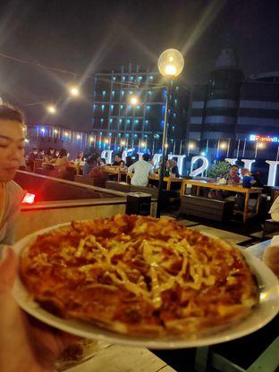 Foto review Tomang Rooftop Dine & Beer oleh Linda Setiawati 1