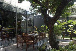 Foto 16 - Eksterior di Kapyc Coffee & Roastery oleh yudistira ishak abrar
