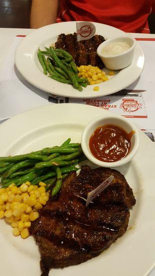Foto - Makanan di Holycow! STEAKHOUSE by Chef Afit oleh Daniel