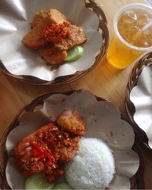 Foto - Makanan di Geprek Bensu oleh RI 347 | Rihana & Ismail