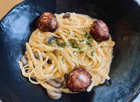 15 Tempat Makan Baru Buka di Jakarta yang Enak