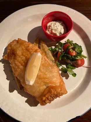 Foto 6 - Makanan di Roosevelt - Hotel Goodrich Suites oleh Duolaparr