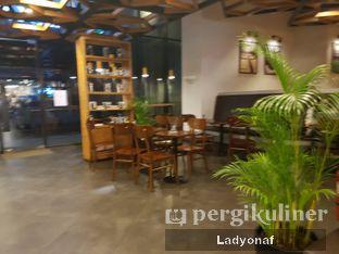 Foto 8 - Interior di Maxx Coffee oleh Ladyonaf @placetogoandeat