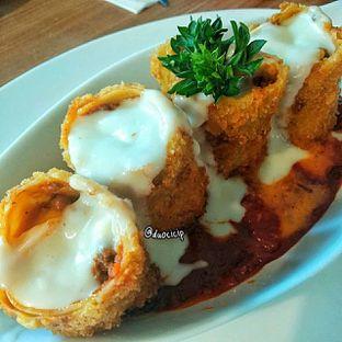 Foto 3 - Makanan(Lasagna Fittata) di B'Steak Grill & Pancake oleh duocicip