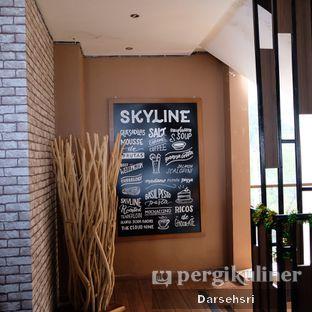Foto 13 - Interior di Skyline oleh Darsehsri Handayani