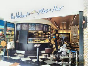 Foto 8 - Interior di The Kitchen by Pizza Hut oleh Ladyonaf @placetogoandeat