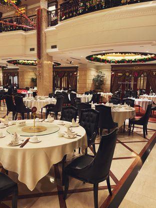 Foto 7 - Interior di Sun City Restaurant - Sun City Hotel oleh Indra Mulia