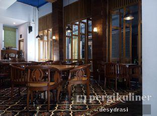 Foto 4 - Interior di Braga Art Cafe oleh Desy Mustika