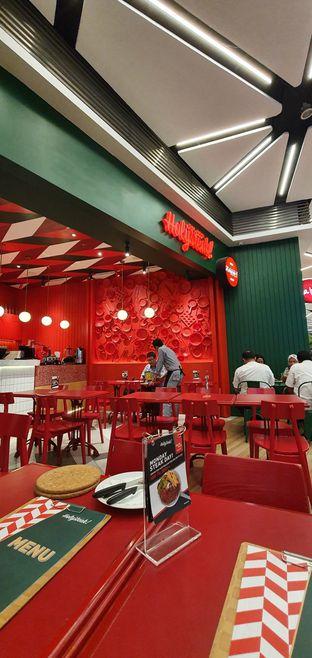 Foto 6 - Interior di The Real Holysteak oleh Makan2 TV Food & Travel