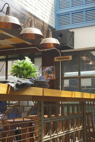 Foto 20 - Interior di Giyanti Coffee Roastery oleh yudistira ishak abrar