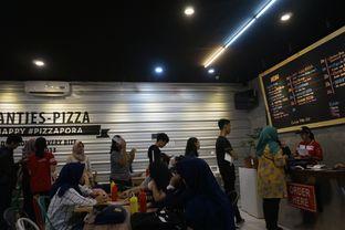 Foto 25 - Interior di Panties Pizza oleh yudistira ishak abrar