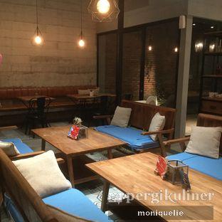 Foto 1 - Interior(Suasana lantai 1) di Gatherinc Bistro & Bakery oleh Monique @mooniquelie @foodinsnap