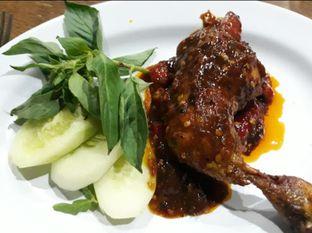 Foto - Makanan(Bebek Cemeng nya mantap pedes bgt 👍) di Bebek Bentu oleh Hari Hayati