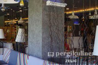 Foto 6 - Interior di sTREATs Restaurant - Ibis Styles Sunter oleh @teddyzelig
