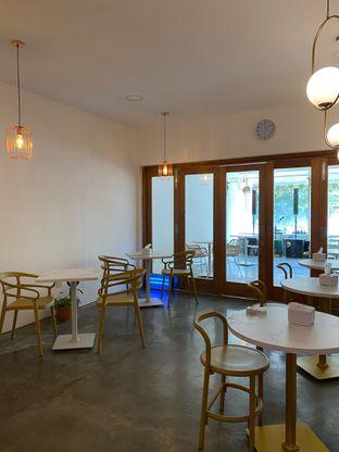 Foto 15 - Interior di Deja Coffee & Pastry oleh Jeljel