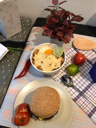 Foto 1 - Makanan di Hits Burger oleh Levina JV (IG : levina_eat )