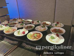 Foto 6 - Makanan di OPEN Restaurant - Double Tree by Hilton Hotel Jakarta oleh Debora Setopo