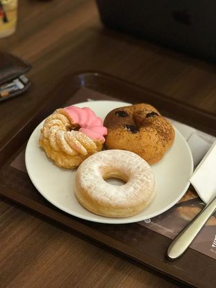 Foto 3 - Makanan di Mister Donut oleh Makan2 TV Food & Travel