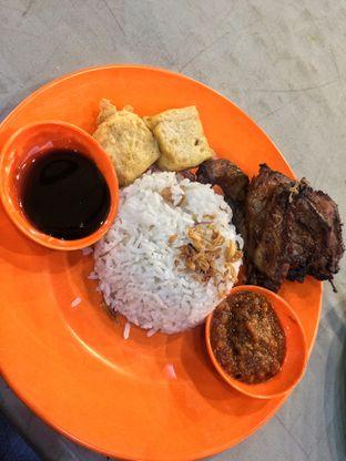 Foto 2 - Makanan di Nasi Uduk Ibu Jum oleh natalia || (IG)natjkt_foodie