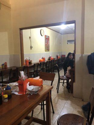 Foto 4 - Interior di Mie Ayam Bakso Yunus oleh Nanakoot