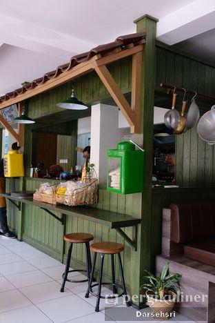 Foto 4 - Interior di Warung Bogor oleh Darsehsri Handayani