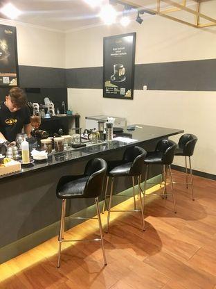 Foto 6 - Interior di The Gade Coffee & Gold oleh Prido ZH