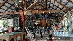 Foto 4 - Interior di Waroeng Kopi Modjok (Warkop Modjok) oleh chandra dwiprastio