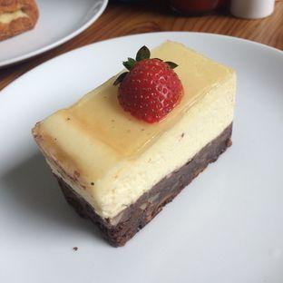 Foto 11 - Makanan(cakes) di The Harvest oleh Yulia Amanda