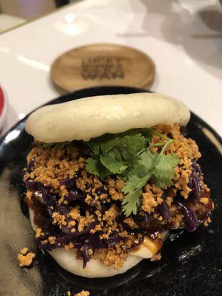 Foto 5 - Makanan(Braised pork bao) di Lucky Number Wan oleh Patricia.sari