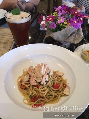 Foto 4 - Makanan(Spaghetti Aglio Olio) di The Socialite Bistro & Lounge oleh Monique @mooniquelie @foodinsnap