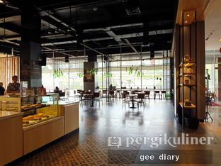 Foto 1 - Interior di Cozyfield Cafe oleh Genina @geeatdiary