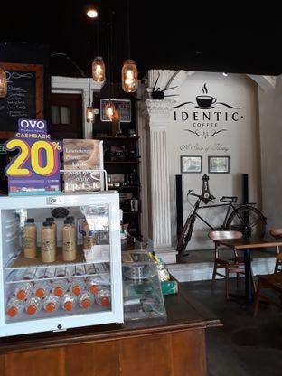 Foto 5 - Interior di Identic Coffee oleh Mouthgasm.jkt