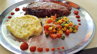 Foto 1 - Makanan di Jumbo Eatery oleh Mang Arawana