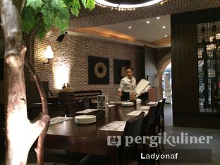 Foto 1 - Interior di Mad for Garlic oleh Ladyonaf @placetogoandeat