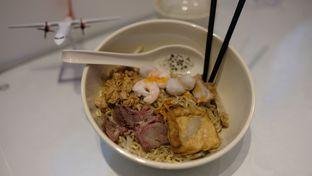 Foto 2 - Makanan di The Noodle Jet Cafe oleh om doyanjajan