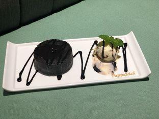 Foto 5 - Makanan(Molten Chocolate Cake) di PappaRich oleh feedthecat