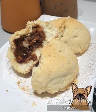 Foto 1 - Makanan(Snowy Bun Char Siu) di Hongkong Sheng Kee Dessert oleh Vicky @vickyaph