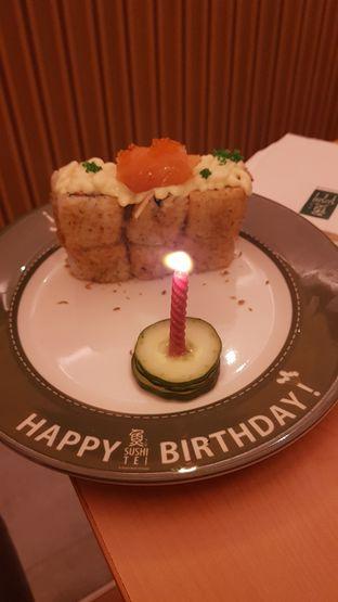 Foto 1 - Makanan di Sushi Tei oleh youinframe