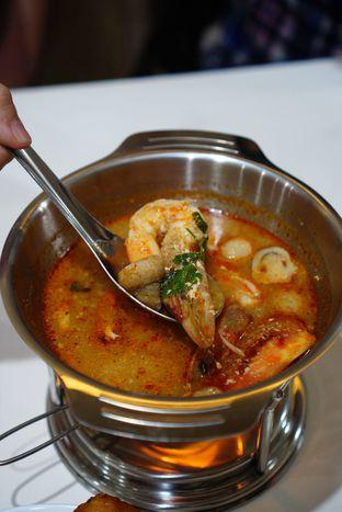 Foto 16 - Makanan(Tom Yum) di Aroi Phochana oleh Kevin Leonardi @makancengli