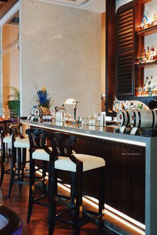 Foto 40 - Interior di The Writers Bar - Raffles Jakarta Hotel oleh Indra Mulia