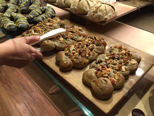 Foto 1 - Makanan di Francis Artisan Bakery oleh Theodora
