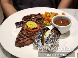 Foto review Indoguna Meatshop & Gourmet oleh Agnes Octaviani 2