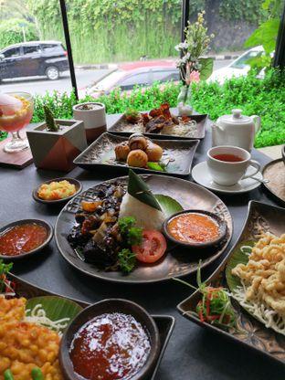 Foto 8 - Makanan di Amertha Warung Coffee oleh om doyanjajan