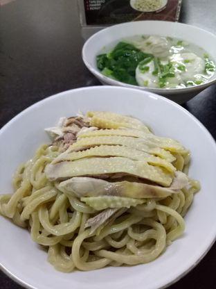 Foto 2 - Makanan di Mie Ayam Abadi oleh @duorakuss