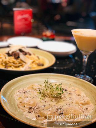 Foto 3 - Makanan(Truffle Mushroom Ravioli) di Bottega Ristorante oleh Sienna Paramitha