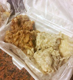 Foto 1 - Makanan di Siomay Cunyuk 19 oleh Nanakoot
