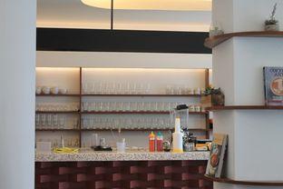 Foto 2 - Interior di Routine Coffee & Eatery oleh Prido ZH