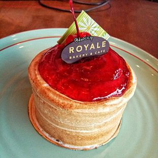 Foto review Royale Bakery Cafe oleh felita [@duocicip] 1