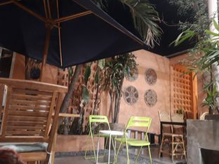 Foto 3 - Interior di Tropikal Coffee oleh Rizky Devi